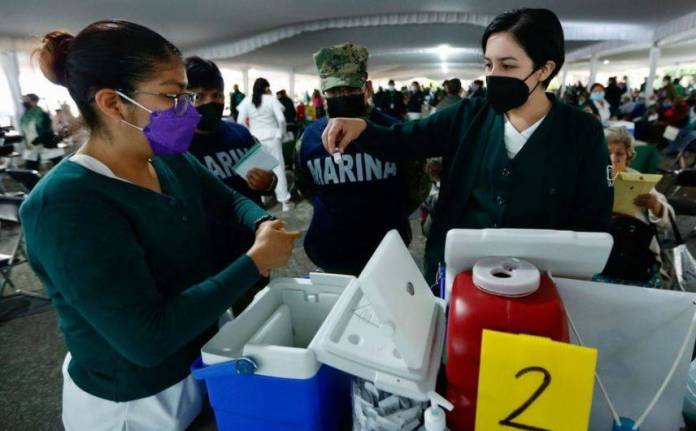 México avanza más en la vacunación que España, Japón o Canadá