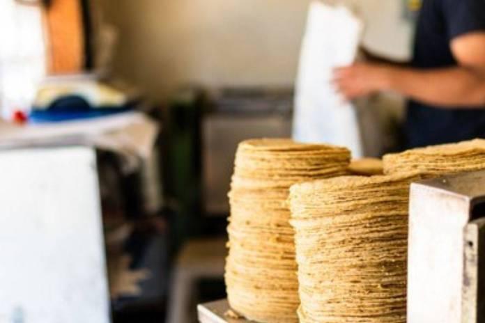 Hombre muere asfixiado al comer un taco en tortillería de Chalco -  RegeneraciónMX