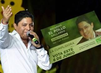 Otro candidato que ofrece tarjetas a cambio de voto