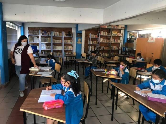 Más de 1 millón de estudiantes volvieron a clases presenciales en el país