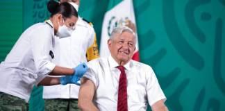 Ya se puso la segunda vacuna AMLO; ahora en el brazo derecho