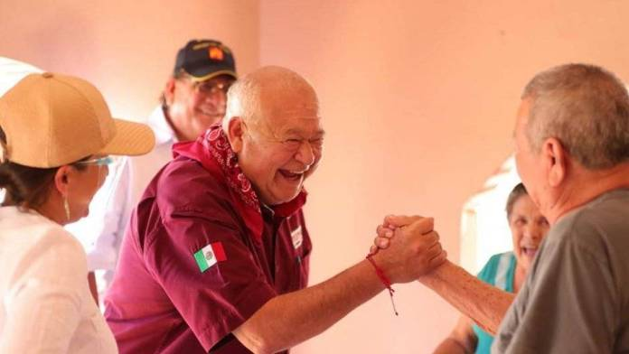 Víctor Manuel Castro recibe constancia de mayoría como gobernador de Baja California