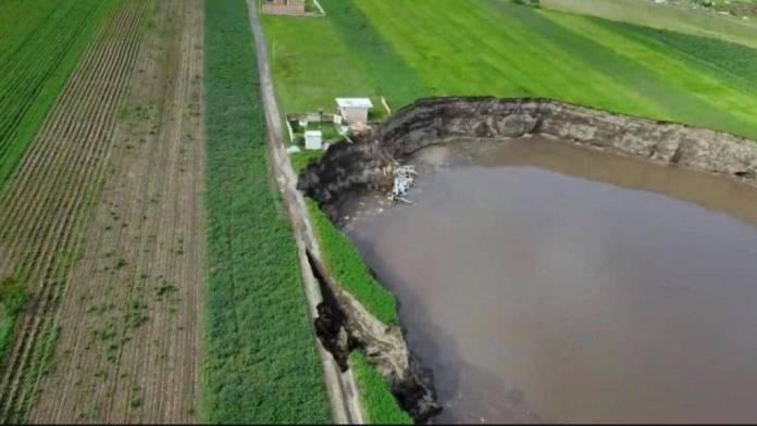 socavon puebla terreno estudio 1024x576 - Gobierno de Puebla comprará el terreno que elija la familia damnificada por el socavón
