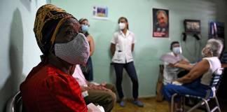 Cuba autoriza el uso de emergencia de dos vacunas contra la Covid-19