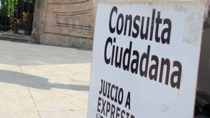 """Salgado Macedonio consideró que el INE """"juega"""" con los ciudadanos pues cambio sin previo aviso la ubicación de las casillas para la consulta popular."""