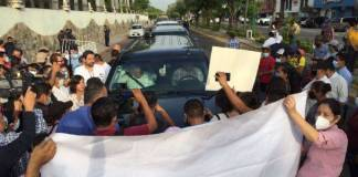 Maestros de Chiapas condenaron retención de la camioneta en donde viajaba el presidente Andrés Manuel López Obrador por la CNTE.