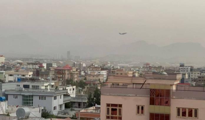 Se registra tercera explosión cerca del aeropuerto de Kabul