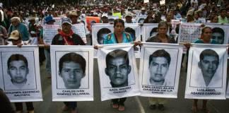 Con vigilia y carrera recuerdan a los 43 normalistas de Ayotzinapa en NY