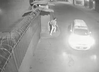 Enfermera logra escapar de taxista que intentaba secuestrarla en Edomex