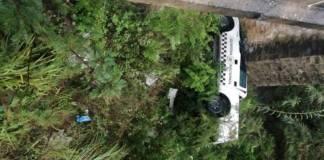 Camioneta de la GN cae en barranco de Oaxaca; fallece un elemento