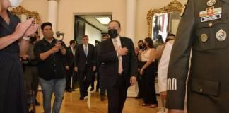 Estoy emocionado y agradecido con familia y colegas; Durazo rinde protesta