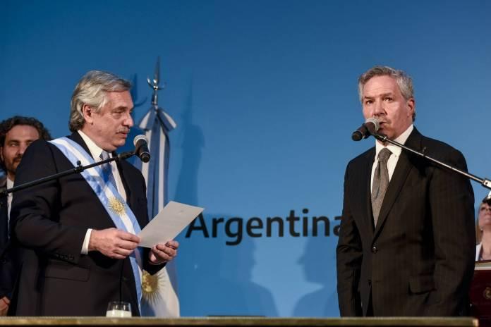 Felipe Solá renunció como canciller de Argentina durante su visita a México