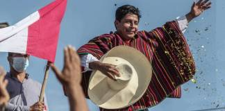 """Presidente de Perú anuncia renovación de su gabinete para """"garantizar gobernabilidad"""""""