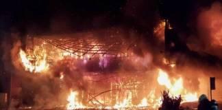 Mueren 46 personas en incendio de edificio de Taiwán