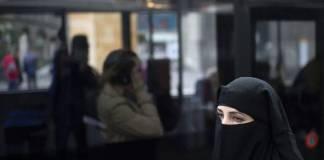 Suiza prohíbe cubrirse el rostro, habrá multas
