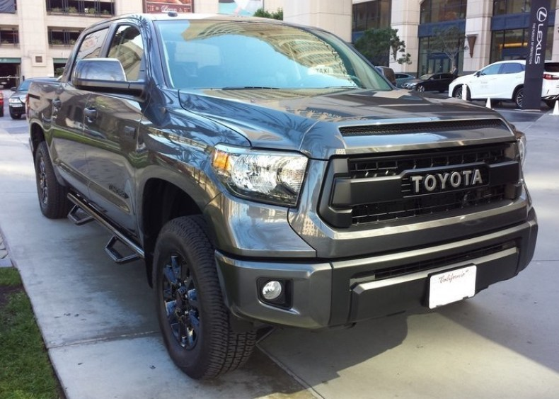 toyota tundra side steps nerf bar qatar