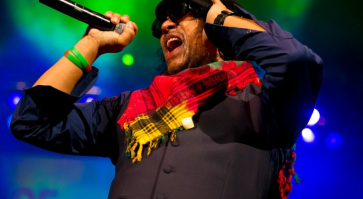 """Maxi Priest """"Holiday"""""""