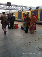 Arrival in Agra on the early morning train from Delhi
