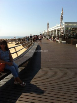 Lisandro Beach promenade with loads of restaurants, coffee shops and surf schools