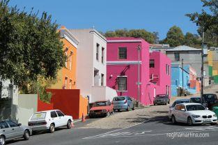Bo-Kaap Homes on a Slope (reginamartins.com)