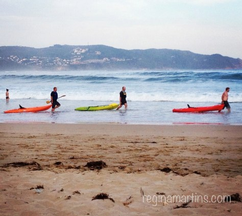 KNYSNA BEACH PADDLERS by reginamartins.com