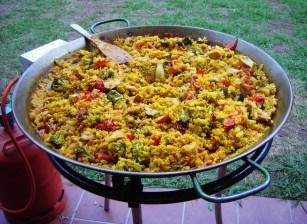 Paella Zubereitung live 12:00-15:00h; Essen ab 15:00h