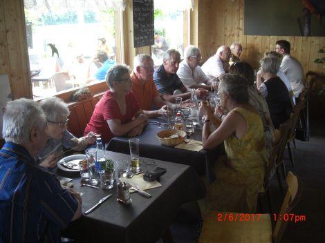 Mittagessen im Chalet Rhin & Decouverte