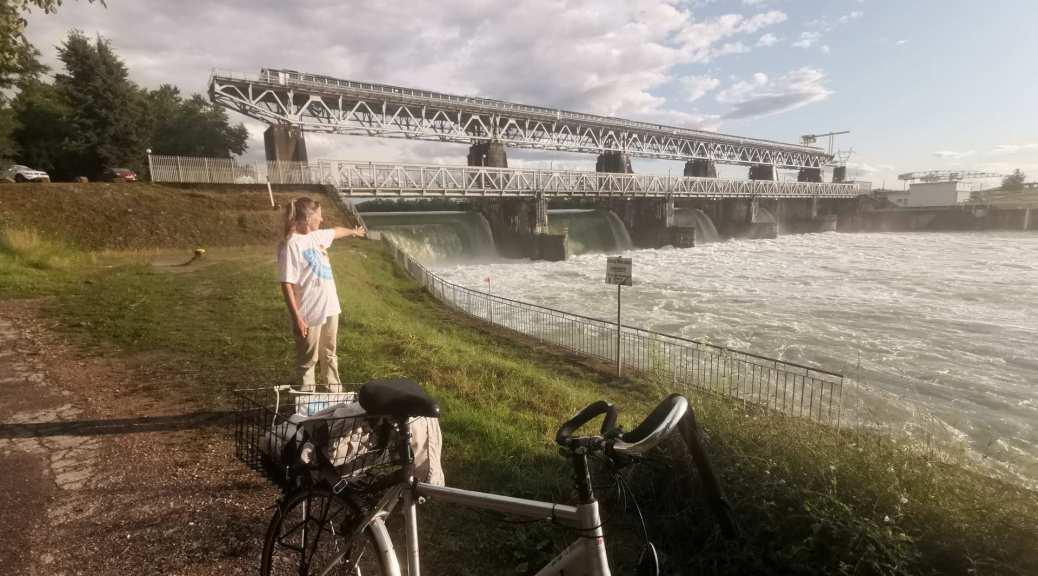07.08.2021 Stauwehr Märkt, 4 von 5 Wehre wegen Hochwasser offen.