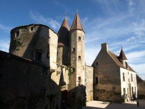 Chateau de Châteauneuf-en-Auxois