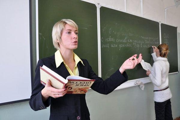 О праве студентов старших курсов преподавать в школах