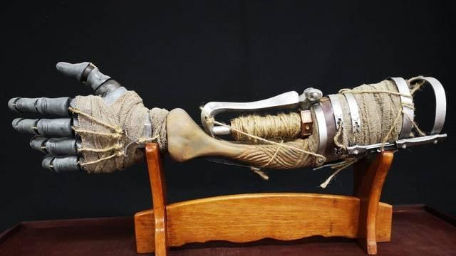 Un fan de Sekiro: Shadows Die Twice crea un espectacular imitación del brazo protésico
