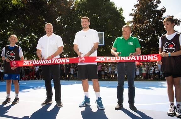 2K Foundations se une a la estrella de portada de NBA 2K22 Luka Dončić para inaugurar dos canchas de baloncesto en su ciudad natal