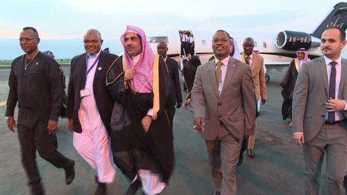 The Secretary-General of the World Islamic League visits Burundi.