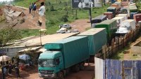 Rwanda-Uganda tensions mount: Rwandans start fleeing to Uganda after border closure.