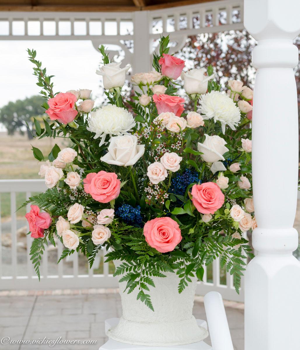 Alter Decorations Wedding Wedding Flowers Vickies Flowers Brighton Colorado Florist