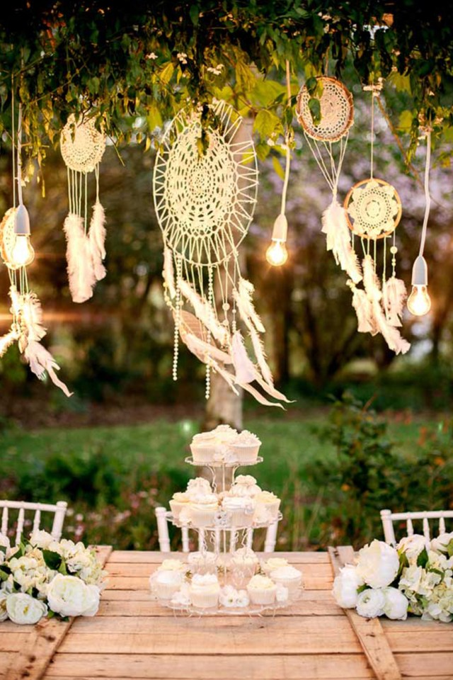 Boho Wedding Decor The Best Boho Wedding Decorations Chwv