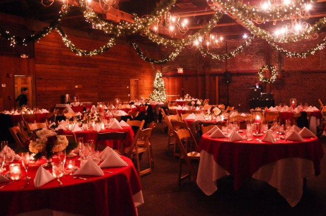 Christmas Wedding Decor Christmas Wedding Centerpieces With Round Tables And Unique Lighting