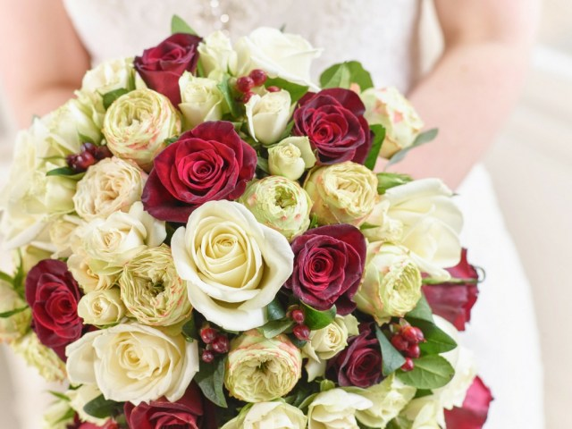 Flower For Wedding The Hidden Symbolism In Your Wedding Bouquet Interflora