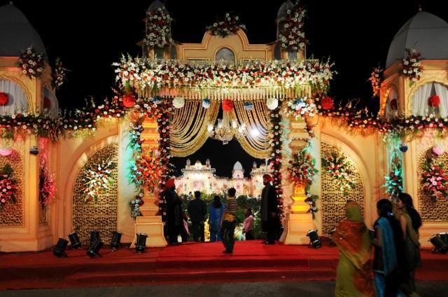 Glamorous Wedding Decorations Wedding Ideas Indian Wedding Engagement Decorations The Glamorous