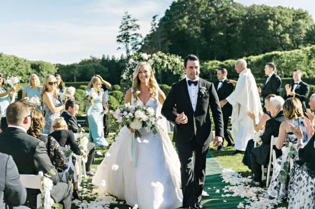 Intamite Wedding Ceremony Should You Have A Small Wedding Inside Weddings