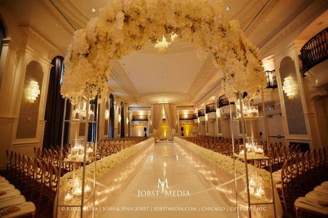 Luxury Wedding Decor Hotel Wedding Ceremony Dcor Wedding Flowers And Decorations