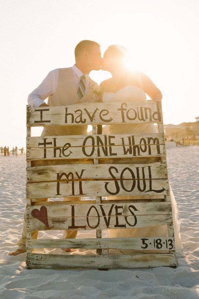 Pallets Wedding Ideas 26 Pallet Signs Ideas For Weddings Snappy Pixels
