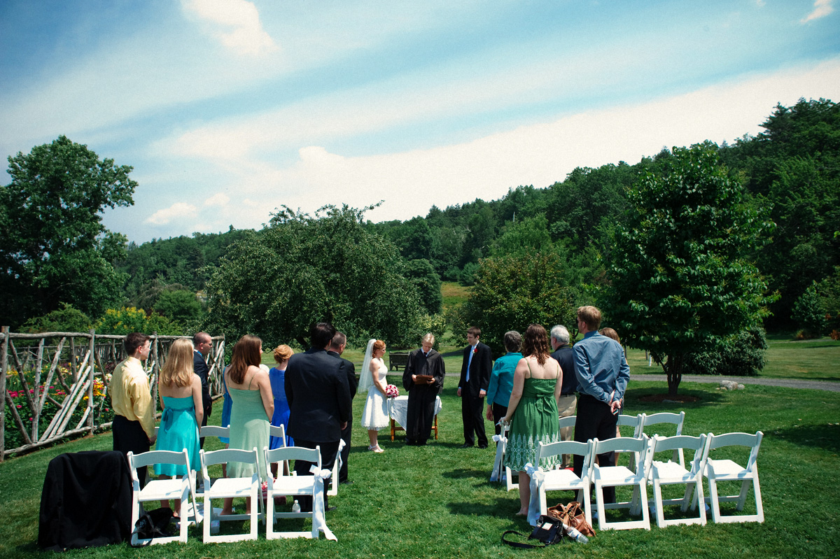 Small Wedding Ideas Real Weddings Rebecca And Daniels Lovely Lil Wedding For Under