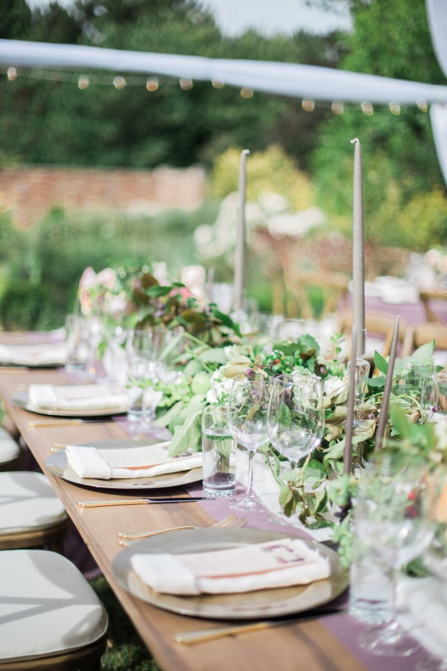 Tablescapes Ideas Wedding 20 Summer Tablescape Ideas For An Outdoor Party Elegant Summer