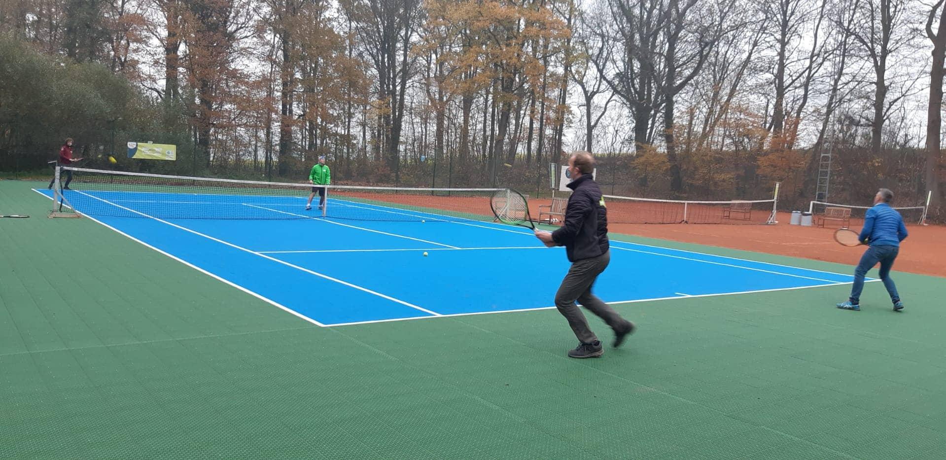 Primeur! Flex Court bij Bierbeekse Tennisclub is eerste die volledig privé werd aangelegd