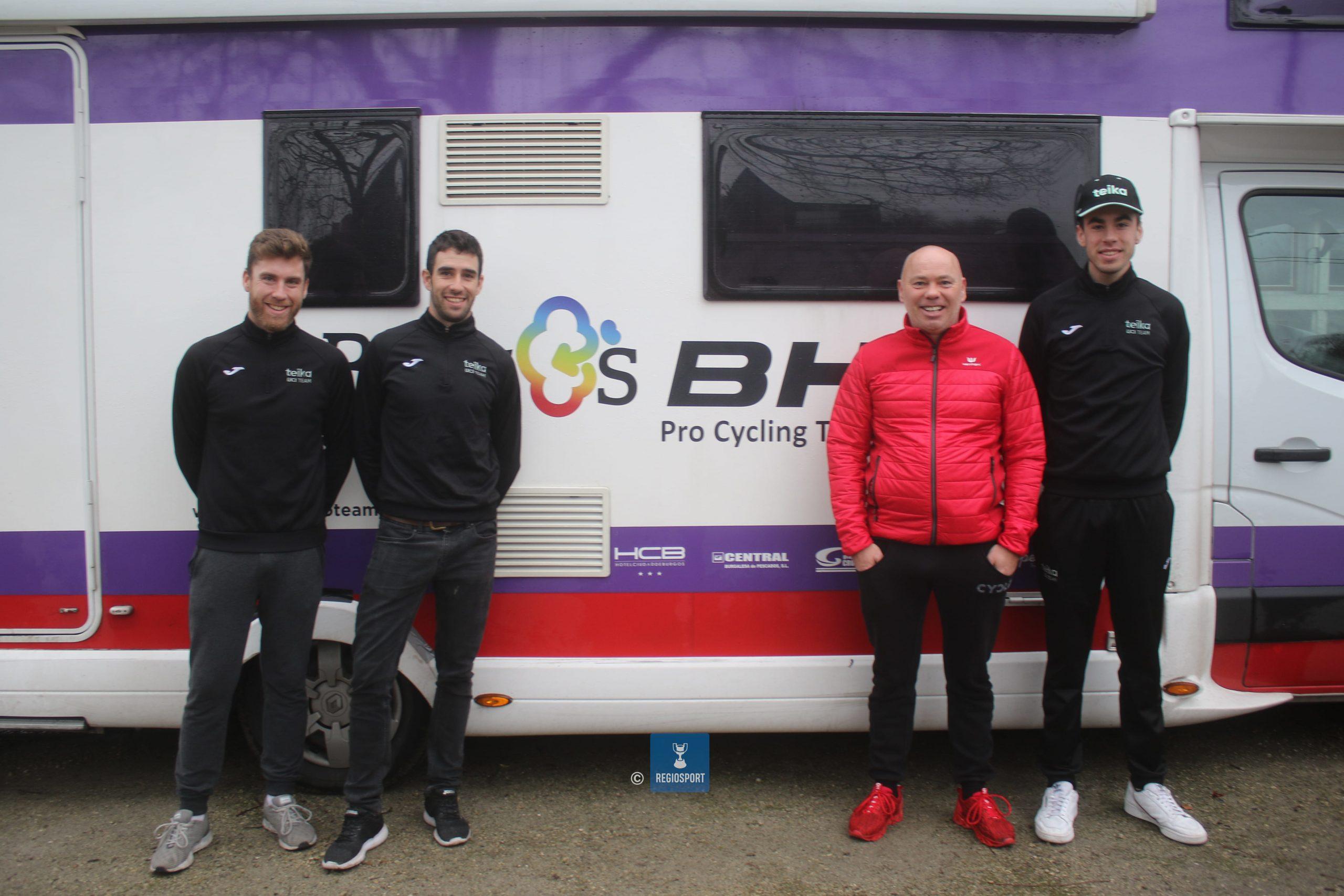 Spaanse crosser Felipe Orts verblijft met zijn twee mecaniciens in de schaduw van de Balenberg