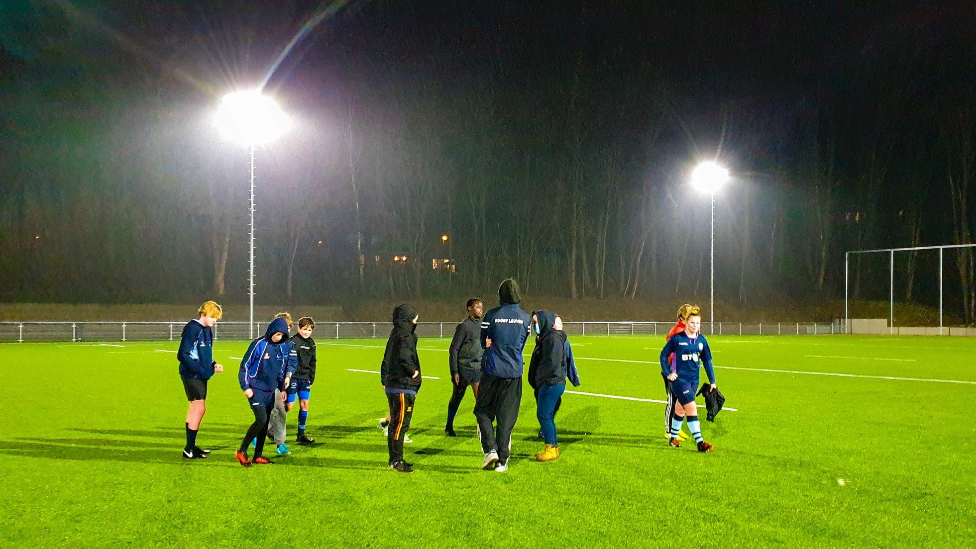De jeugd van Rugby Club Leuven is opgelucht, ze trainen weer!