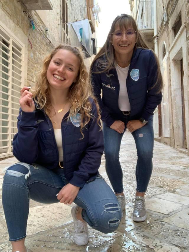 Aster en Shana vermaken zich prima in Italië