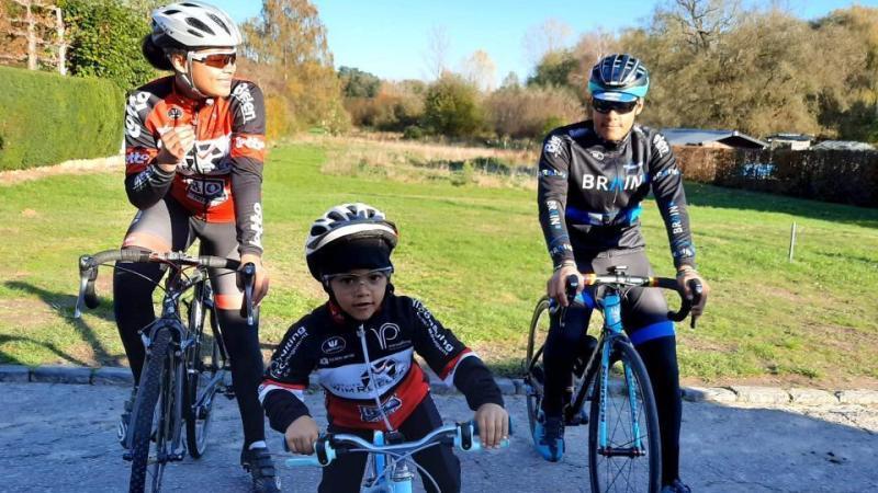 Veertienjarige aspirante Casilda Flussie begint ook te koersen