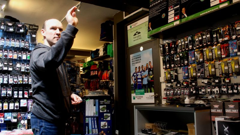 De Footbal Store Putte transformeerde deels in de Darts Store Putte